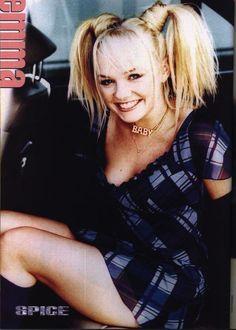 Emma Bunton - 25 Girls You Were Crushing On in 1997 Spice Girls, Emma Bunton, Victoria Beckham, Mtv, Beautiful Celebrities, Beautiful People, Musica Pop, Baby Spice, African American Hairstyles