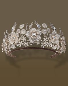 Jean-Baptise Fossin's antique gold, silver and diamond tiara ca. 1830 with briar rose and jasmine flower motifs. Royal Crowns, Royal Tiaras, Tiaras And Crowns, Royal Jewelry, Gold Jewelry, Jewelery, Fine Jewelry, Jewelry Shop, Antique Gold