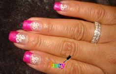 unhas em gel decoradas com esmaltes