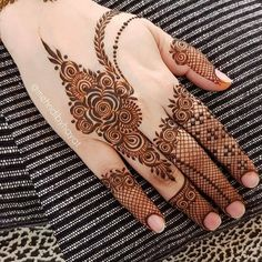 Hi everyone , welcome to worlds best mehndi and fashion channel Zainy Art . Hope You guys are liking my daily update of Mehndi Designs for Hands & Legs Nail . Modern Henna Designs, Latest Bridal Mehndi Designs, Latest Arabic Mehndi Designs, Finger Henna Designs, Henna Art Designs, Mehndi Designs For Girls, Mehndi Designs For Beginners, Mehndi Designs 2018, Dulhan Mehndi Designs
