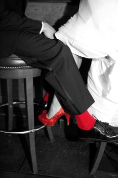 I love this idea! Bride has red shoes and groom has red socks! Super cute! Photo by Angeli #Minnesota #weddings