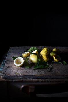 for Christmas 2017 Vegetables Photography, Fruit Photography, Low Key Photography, Food Photography Styling, Food Styling, Key Food, Black Food, Whole Food Recipes, Fruits And Vegetables
