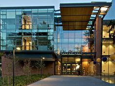 The beautiful Paccar Hall on the UW campus!