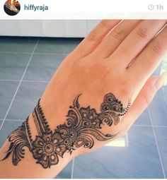 Mehndi - bracelet with some hand design