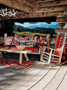 6 cozy cabin decor ideas for a winter getaway. Domino rounds-up cozy cabin inspiration from small cabins in Wisconsin, Missouri, Dunton Hot Springs and Ralph Lauren's Colorado Ranch! For more cottage, cabin and celebrity style go to Domino. Le Colorado, Colorado Ranch, Cabin Homes, Log Homes, Bungalows, Cabins In Wisconsin, Cabins And Cottages, Log Cabins, Small Cabins