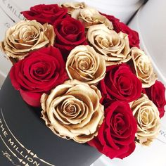 The Million Roses Roses Luxe, Pink Roses, Pink Flowers, Pretty Roses, Beautiful Roses, The Million Roses, Flower Power, Bouquet Box, Flower Box Gift