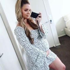 """DANIELLE BAILEY on Instagram: """"Rocking my Feminine at the moment, and feeling really good about it 🌸 For the majority of my life I felt like I was never enough. As a…"""" Pregnancy Fashion, Maternity Fashion, Fit Mum, Never Enough, Of My Life, Felt, Feminine, In This Moment, Rock"""