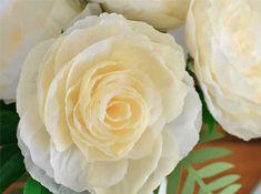 Оформление букета из гофрированной бумаги своими руками. Упаковка для цветов из гофрированной бумаги Making A Bouquet, Paper Packaging, Paper Flowers, Rose, Plants, Handmade, Happy, Art, Art Background