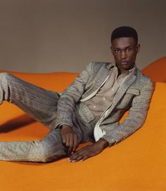 MISSONI'S SPRING/SUMMER 2016 CAMPAIGN IS DECIDEDLY NOSTALGIC, WITH GRAPHIC PATTERNS AND SLIM CUT SHAPES EVOKING THE FINE LINE BETWEEN LATE '60S AND EARLY '70S STYLE