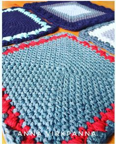 Make a cake oven mitts / grytlappar – Mijo Crochet Cake Oven, Crochet Potholder Patterns, Crochet Kitchen, A Hook, How To Make Cake, Crochet Projects, Free Crochet, Pot Holders, Projects To Try