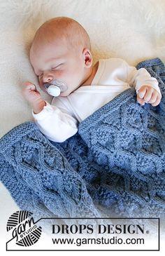 Little dreams / DROPS Baby & gratis strikkeopskrifter af DROPS design Knitting For Kids, Baby Knitting Patterns, Baby Patterns, Free Knitting, Knitting Projects, Crochet Patterns, Drops Design, Knitted Afghans, Knitted Baby Blankets