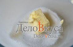 Кокосовое печенье: Сахар смешать со сливочным маслом