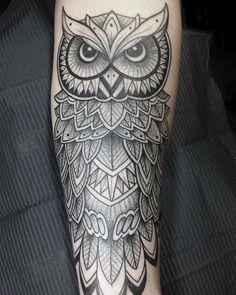 Geometric Owl Tattoo by @nikkilollytattoo #shalladoretattoo #londontattoo #eastlondon #shoreditch #owltattoo #geometrictattoo #birdtattoo #linework