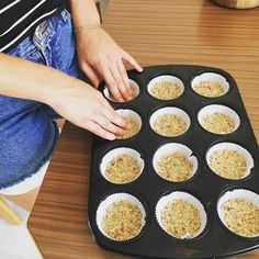 Preparing the first layer for my mini raw cupcakes 😊 In love with nuts - dates and coconut 🌟 Raw Food, Raw Vegan, Dates, Sweet Treats, Healthy Eating, Coconut, Cupcakes, Healthy Recipes, Mini