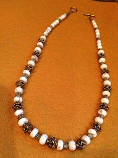 Howlite and metal beads necklace