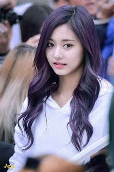 That purple hair ♡_♡