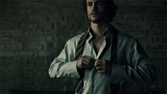 Hannibal / Will Graham (looking sharp for the jury)