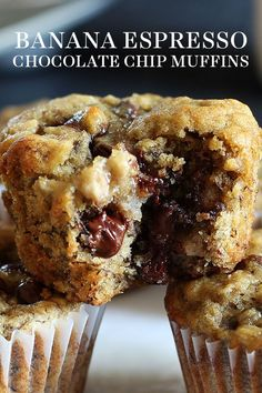Banana Espresso Chocolate Chip Muffins are tender, moist and such an easy recipe to make! The best homemade breakfast treat! Banana Espresso Chocolate Chip Muffins are tender, moist and such an easy recipe to make! The best homemade breakfast treat! Chocolate Chip Cookies, Banana Chocolate Chip Muffins, Banana Treats, Banana Brownies, Chocolate Chips, Moist Banana Muffins, Carrot Cake Muffins, Banana Cupcakes, Chocolate Cookies