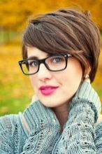 Short hair pixie cut hairstyle with glasses ideas 85