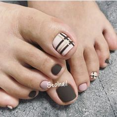28 new patterns for your nails to talk about your personality 2019 002 Pretty Toe Nails, Cute Toe Nails, Nice Nails, Toenail Art Designs, Toe Nail Designs, Glitter Pedicure Designs, Pedicure Nail Art, Toe Nail Art, Feet Nail Design