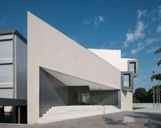 Otxotorena Arquitectos — New Building in 'El Redín' High School — Image 1 of 10 - Divisare by Europaconcorsi