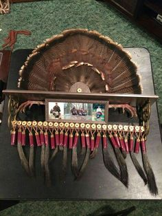 Turkey beard, fan, and spur display from recycled shelf and. Best Picture For Hunting Room colors Deer Hunting Decor, Hunting Crafts, Hunting Cabin, Bow Hunting, Hunting Stuff, Coyote Hunting, Pheasant Hunting, Archery Hunting, Hunting Decorations