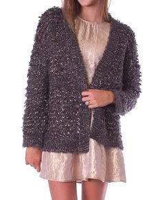 +Made of chunky fuzzy gold metalic and olive color threads