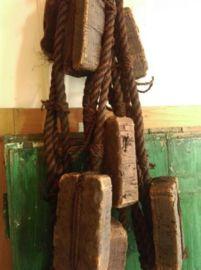 Stoere bundel visnet drijvers voor decoratie. Ideaal om een zomerse standsfeer te creeren  Bundel ca 125 cmLengte ca 10 meter10 kurken