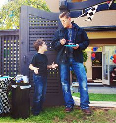 Ben and Dean ...bowlegs!  :)  #Supernatural  #TheKidsAreAlright  3.02