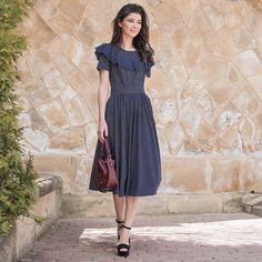 Платья с воланом из очень приятной вискозной ткани 😍 Принт - мелкий горошек🌸 Темно-синее в белый горошек и розово-пудровое в темно-синий…