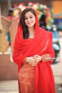 Priyal Gor - Priyal Gor Photos, Priyal Gor Stills Beautiful Suit, Beautiful Girl Photo, Beautiful Girl Indian, Stylish Girls Photos, Stylish Girl Pic, Girl Photos, Beauty Full Girl, Beauty Women, Pakistani Fashion Casual
