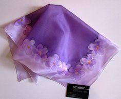 Lila virágos selyemkendő 1.