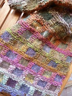Ravelry: Project Gallery for Echarpe Mosaïque pattern by Danièle Dietrich
