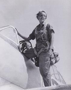 vintage photos of women pilots   WASP #women airforce service pilots #avenger field #wwii