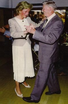 1989-09-13 Diana opens the Reggie Goves Community Centre in High Wycombe, Buckinghamshire, and twirls around the dance floor with Charlie Bristow to the tune of Mantovani's Diane Waltz