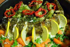 Salau cu broccoli si morcovi (la cuptor) Caprese Salad, Broccoli, Tacos, Fish, Cooking, Ethnic Recipes, Kitchen, Kochen, Insalata Caprese