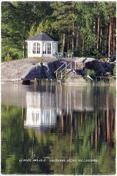 Vaaleanpunainen hirsitalo  - own a summerhouse