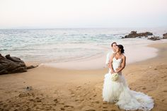 #beautiful and #Classy beach wedding dress, just perfect for a  beach celebration!