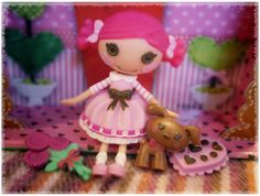 Picked up a Mini Lalaloopsy doll this weekend. Snapped a few photos. Think I'll make her into a keychain.