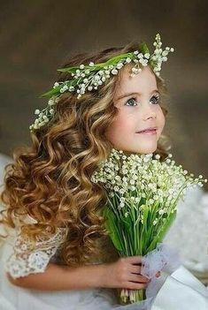 Wedding Photography Poses, Girl Photography, Children Photography, Cute Little Girls, Cute Kids, Cute Babies, Baby Girl Wallpaper, Wedding Wine Glasses, Flower Headdress