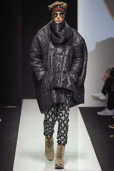 http://www.style.com/slideshows/fashion-shows/fall-2015-menswear/vivienne-westwood/collection/22