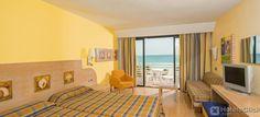 Situato sul lungomare di #Palma, l'Hotel Iberostar Royal Playa de Palma Aparthotel è la soluzione ideale per le coppie o le famiglie con bambini. La struttura dispone di piscina all'aperto, Mini Club, parco giochi, ristorante e camere dotate di tutti i comfort. #IberostarRoyalPlayadePalma https://www.hotelsclick.com/alberghi/spagna/maiorca-isole-baleari/47172/hotel-iberostar-royal-playa-de-palma-aparthotel.html