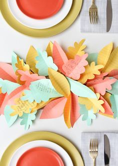 Using colorful construction paper you can create some cool Thanksgiving table runners with your kids in an afternoon.  Follow us: @itsmomtastic on Twitter | itsmomtastic on Facebook