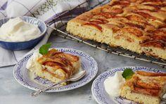 Saftig og god eplekake helt uten egg. Apple Cinnamon Cake, Cinnamon Apples, Nom Nom, Tin, French Toast, Food And Drink, Eggs, Sweets, Bread