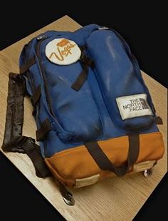 10 Crazy Cakes That Don't Look Like 'Cake' at All (PHOTOS) | Can you believe this is a backpack cake