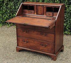 Antieke bureaus   antieke bureaus   antiek secretaire   antieke schrijftafels   antieke schrijftafel   online antiek   Antiquiteiten.