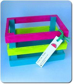 Cajoncitos de verdura pintados - Cajas - Casa - 801943 Baby Shower Souvenir, Wooden Crates, Sailor Moon, Recycling, Hobbies, Victoria, Neon, Country, Product Packaging