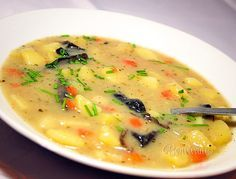 Great potato soup with mushrooms, great in Bohemia - Best Liver Detox Cleanse Slovak Recipes, Czech Recipes, Russian Recipes, Onion Recipes, Soup Recipes, Cooking Recipes, Liver And Onions, European Cuisine, Healthy Comfort Food