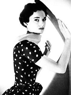 Gloria Vanderbilt.  Photo by Cecil Beaton.  Vogue 1953.