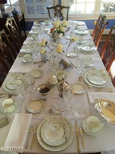 Tablescape Tuesday: Downton Abbey Style – Everyday Living